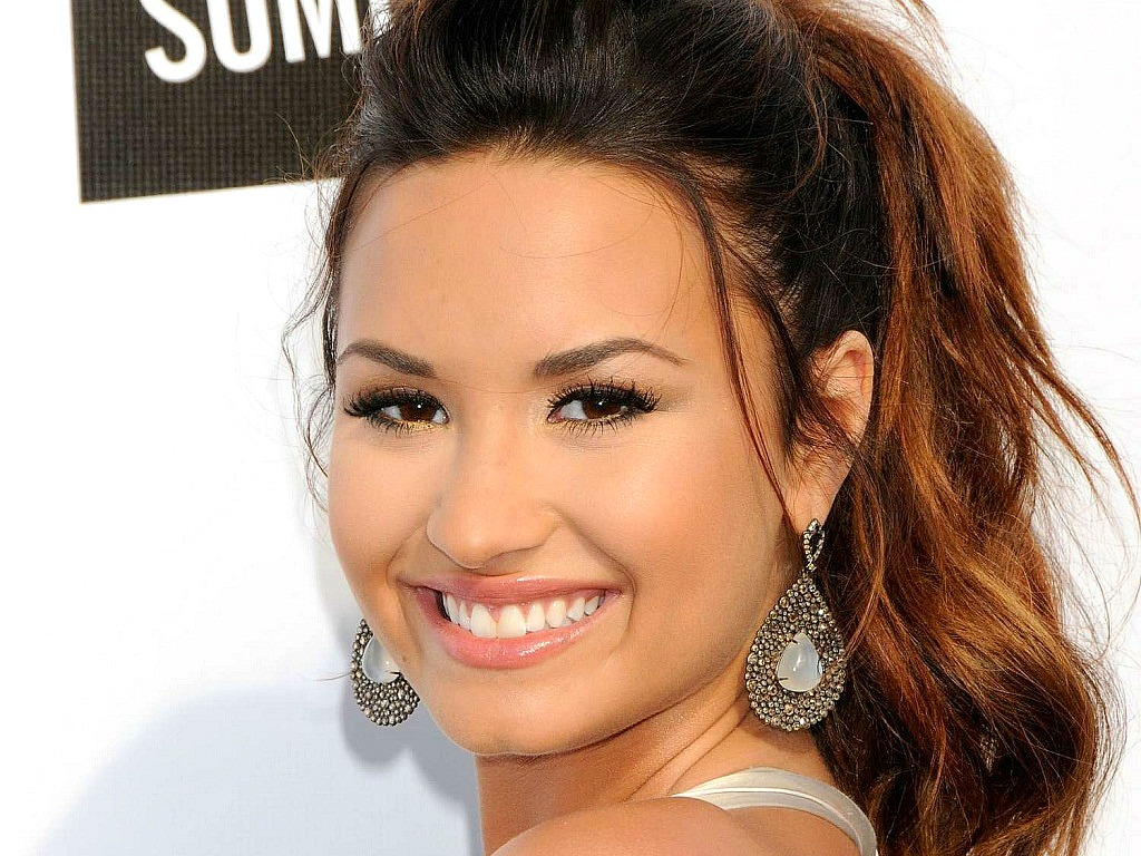 Demi Wallpaper   Demi Lovato Wallpaper 25855512 1024x768