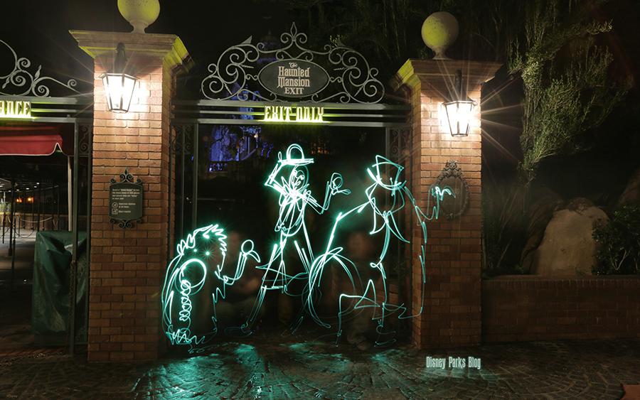 Disney Parks Blog Light Painting Wallpaper Disney Parks Blog 900x563