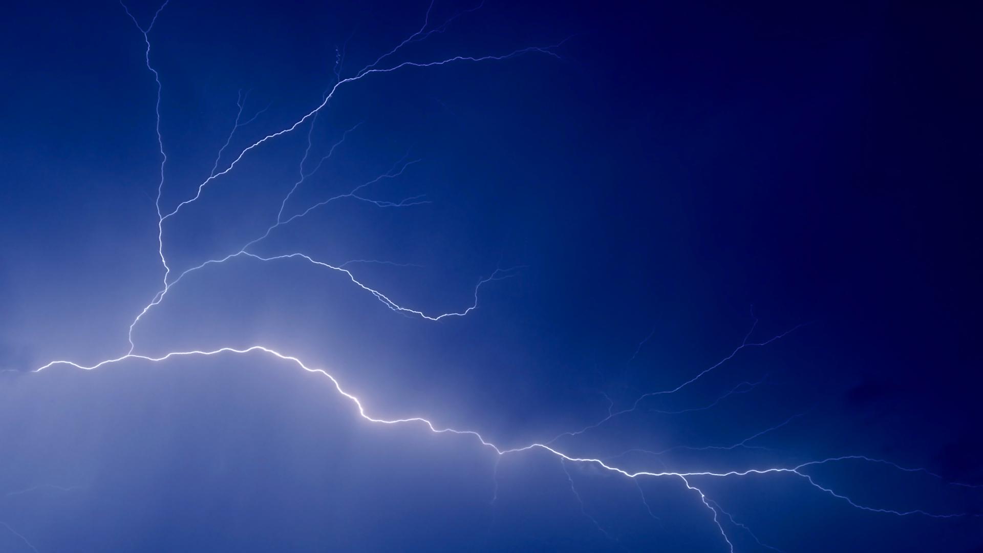 Lightning Streaks Wallpapers 1920x1080