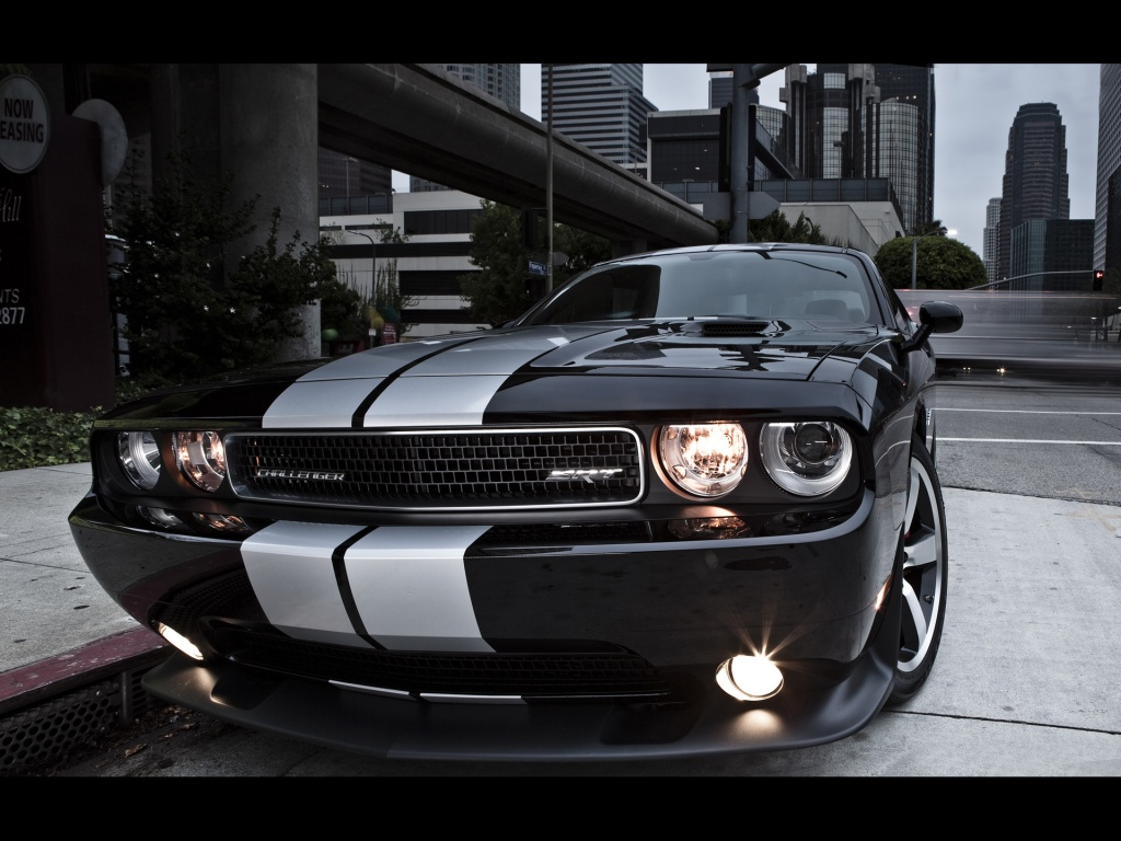 1024x768 Dodge Challenger SRT8 392 Front desktop PC and Mac wallpaper 1024x768