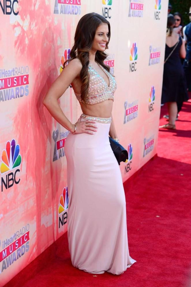 Hannah Stocking 2015 iHeartRadio Music Awards  01   GotCeleb 662x996