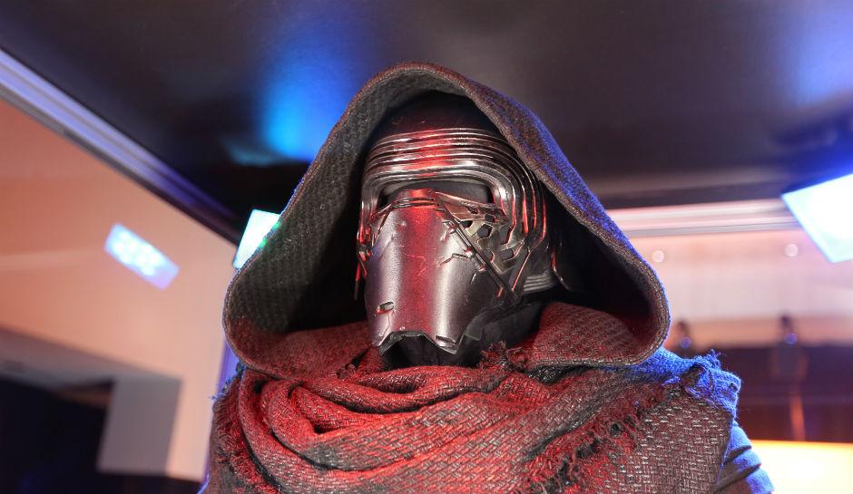 Kylo Ren Is Luke Skywalker New Theory Claims Skywalker Behind The 940x545