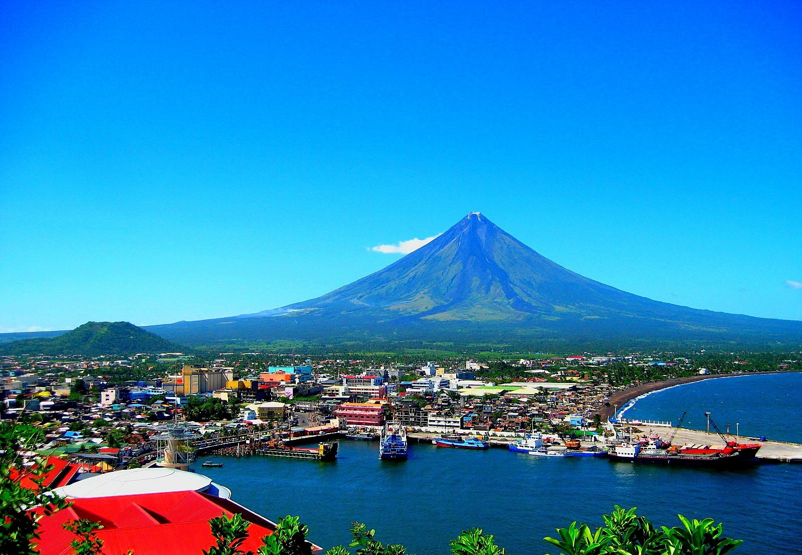 Pin Mayon Volcano Luzon Islands Philippines Widescreen Wallpaper on 1600x1107