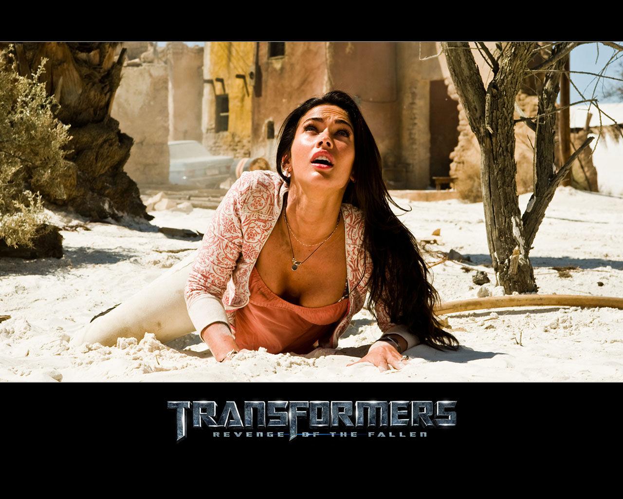 Megan Fox Transformers 2 1280x1024 1280x1024