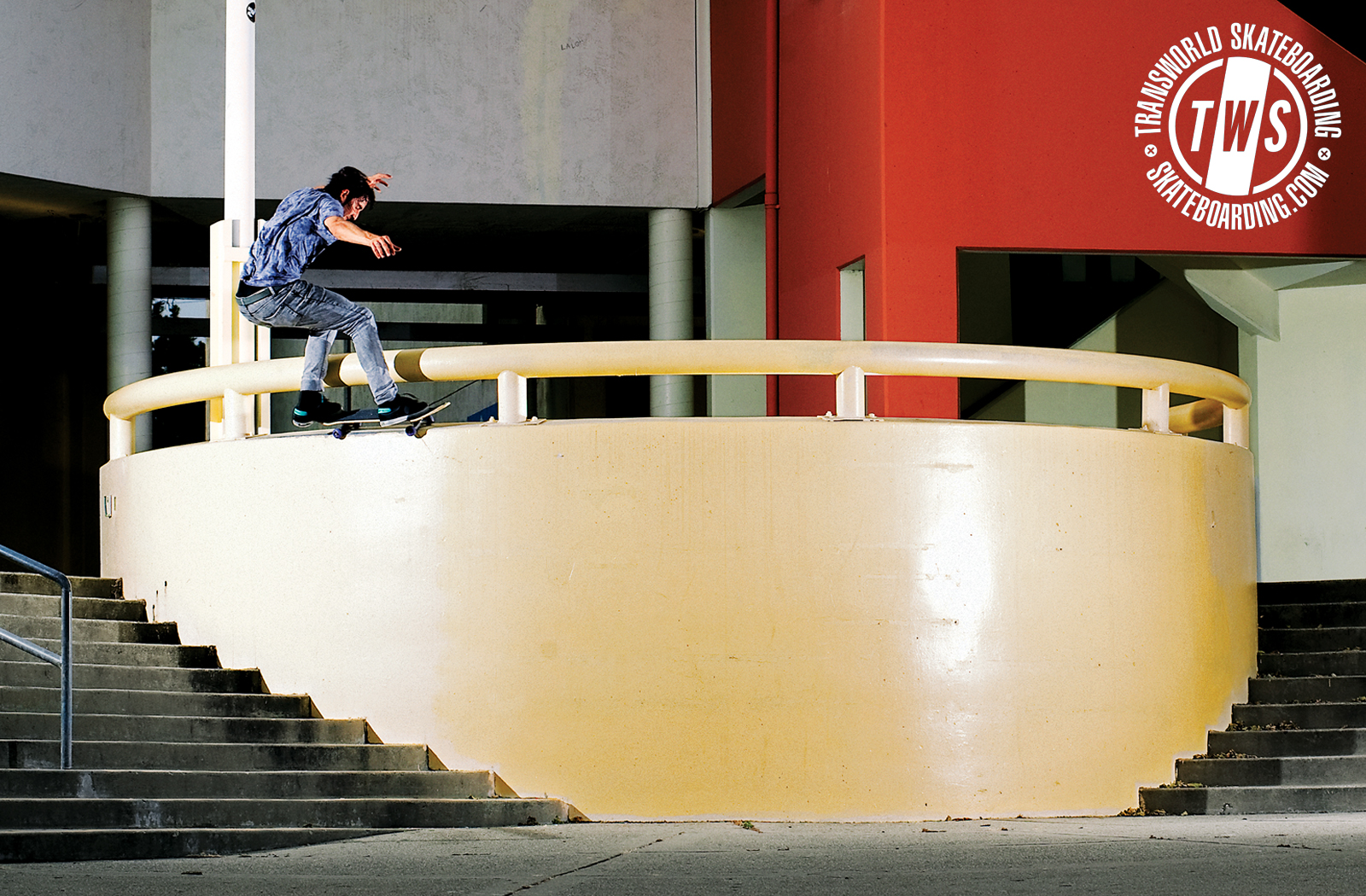 Visit TransWorld Skateboarding and grab a wallpaper featuring Altamont 1600x1050