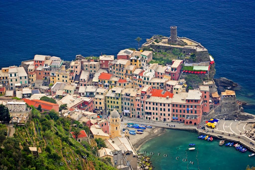 wallpaper background Vernazza Village Aerial Cinque Terre 1024x682