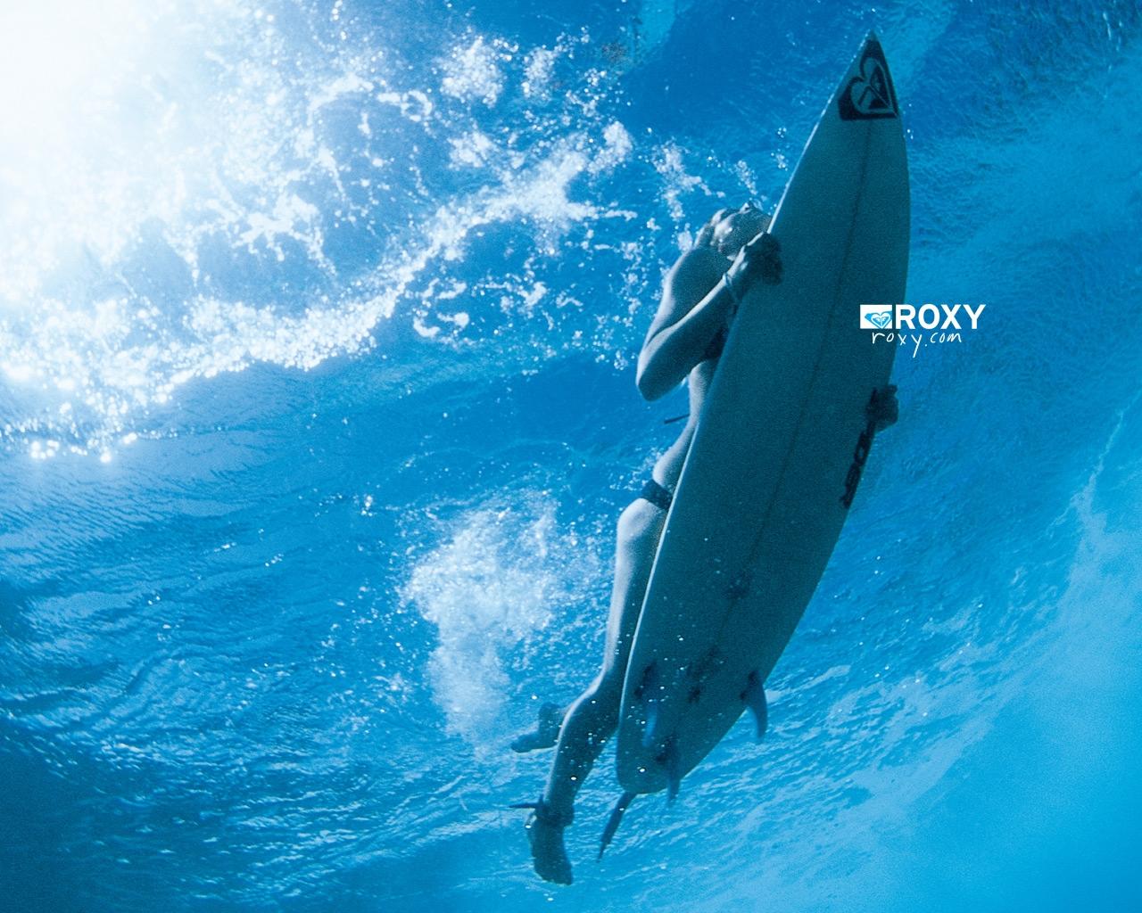 Surfing Duck Dive Roxy Surf Wallpaper 1280x1024 Full HD Wallpapers 1280x1024