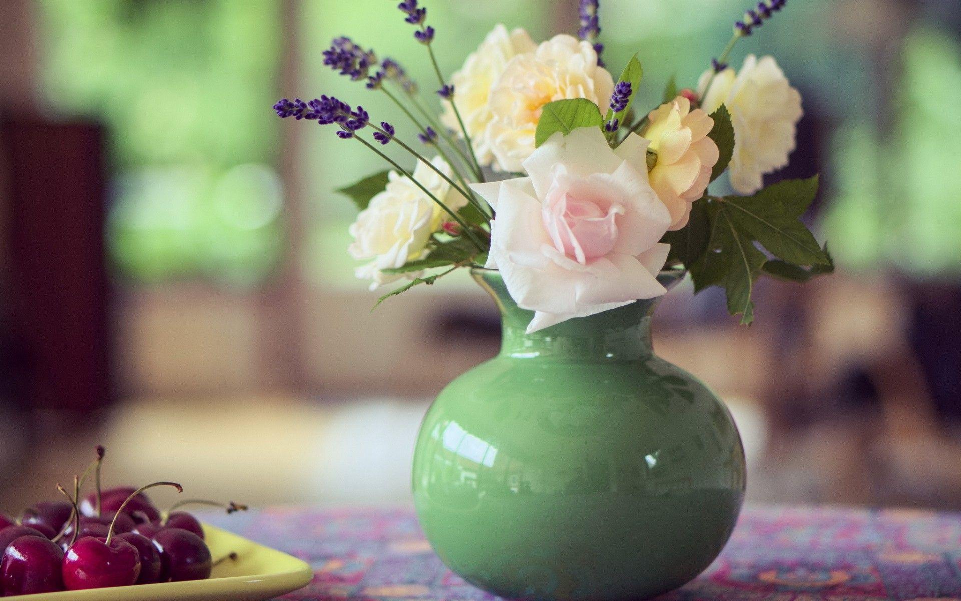 vase HD Wallpaper 1920x1080 Roses in the vase HD Wallpaper 1920x1200 1920x1200