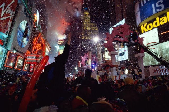 new year wallpapers new years eve in times square wallpaper 640x425