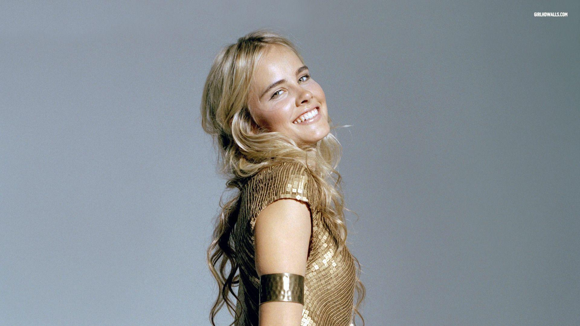 Isabel Lucas Wallpapers 1920x1080