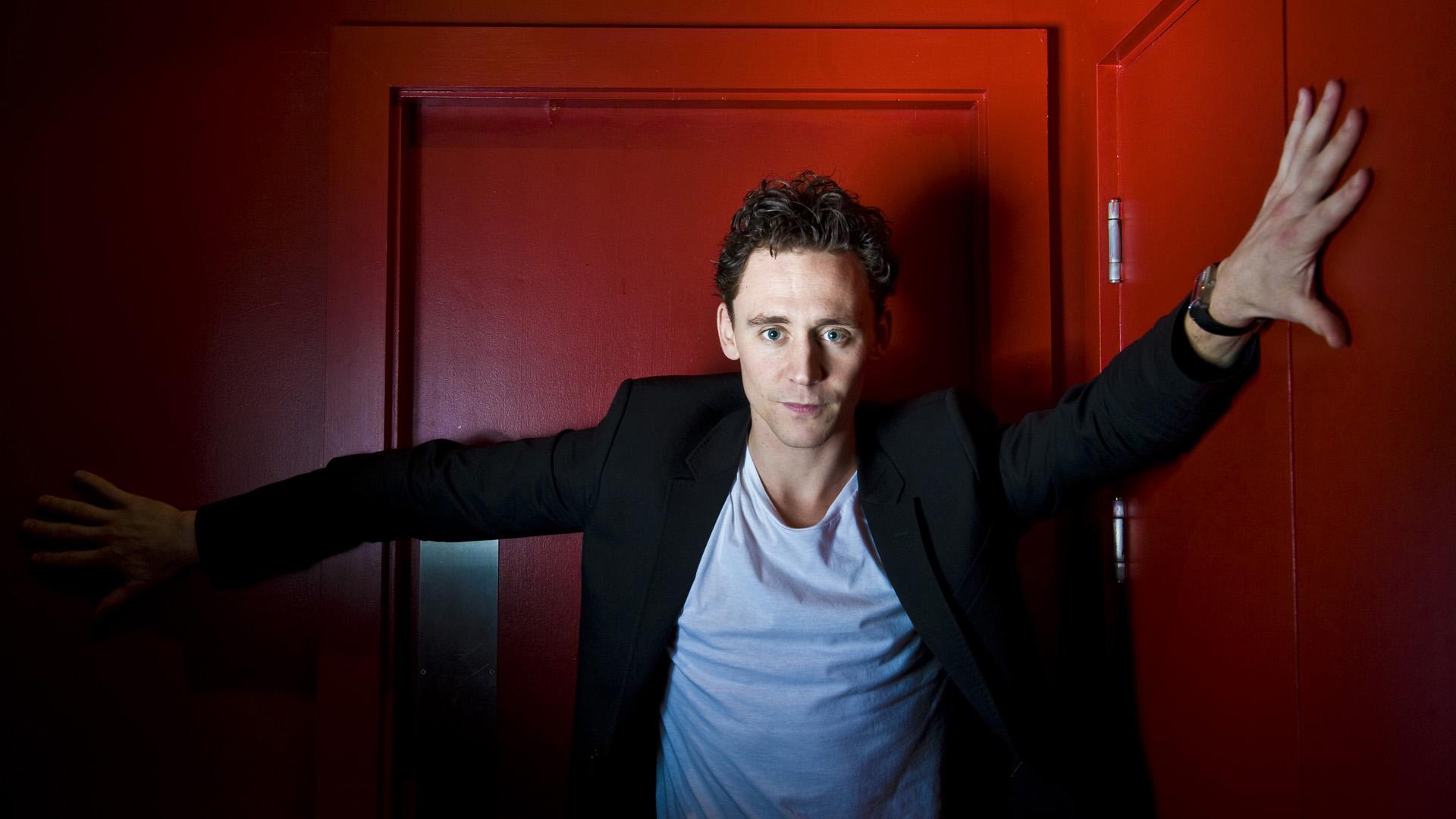 Tom Hiddleston 1920x1080
