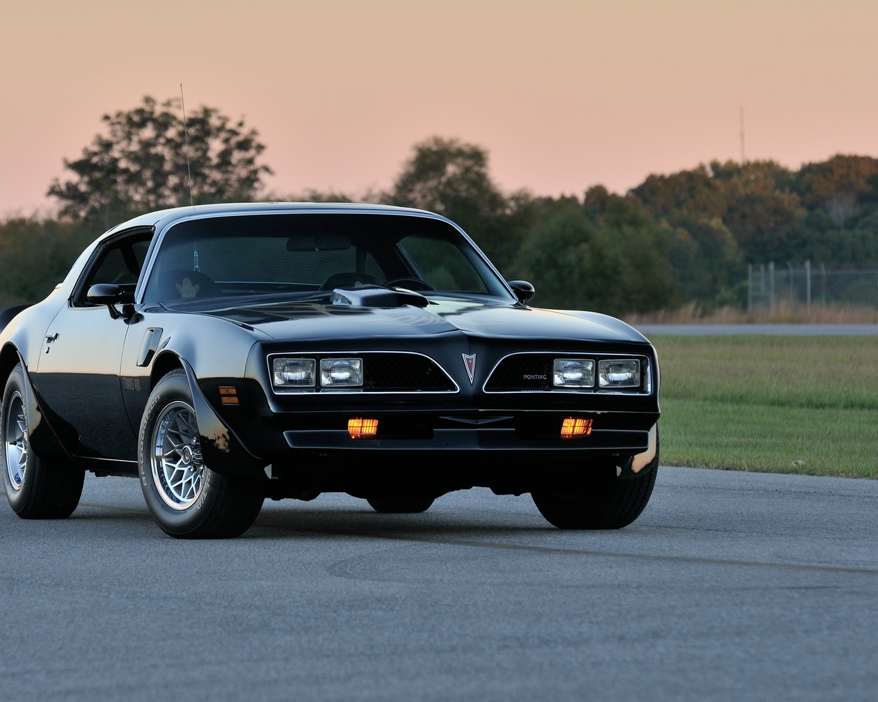 Download wallpaper 1280x1024 pontiac firebird trans am ws6 1280x1024