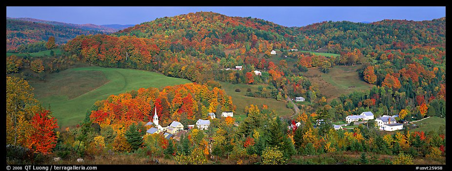 Photo Rural autumn scenery East Corithn Vermont New England USA 926x350
