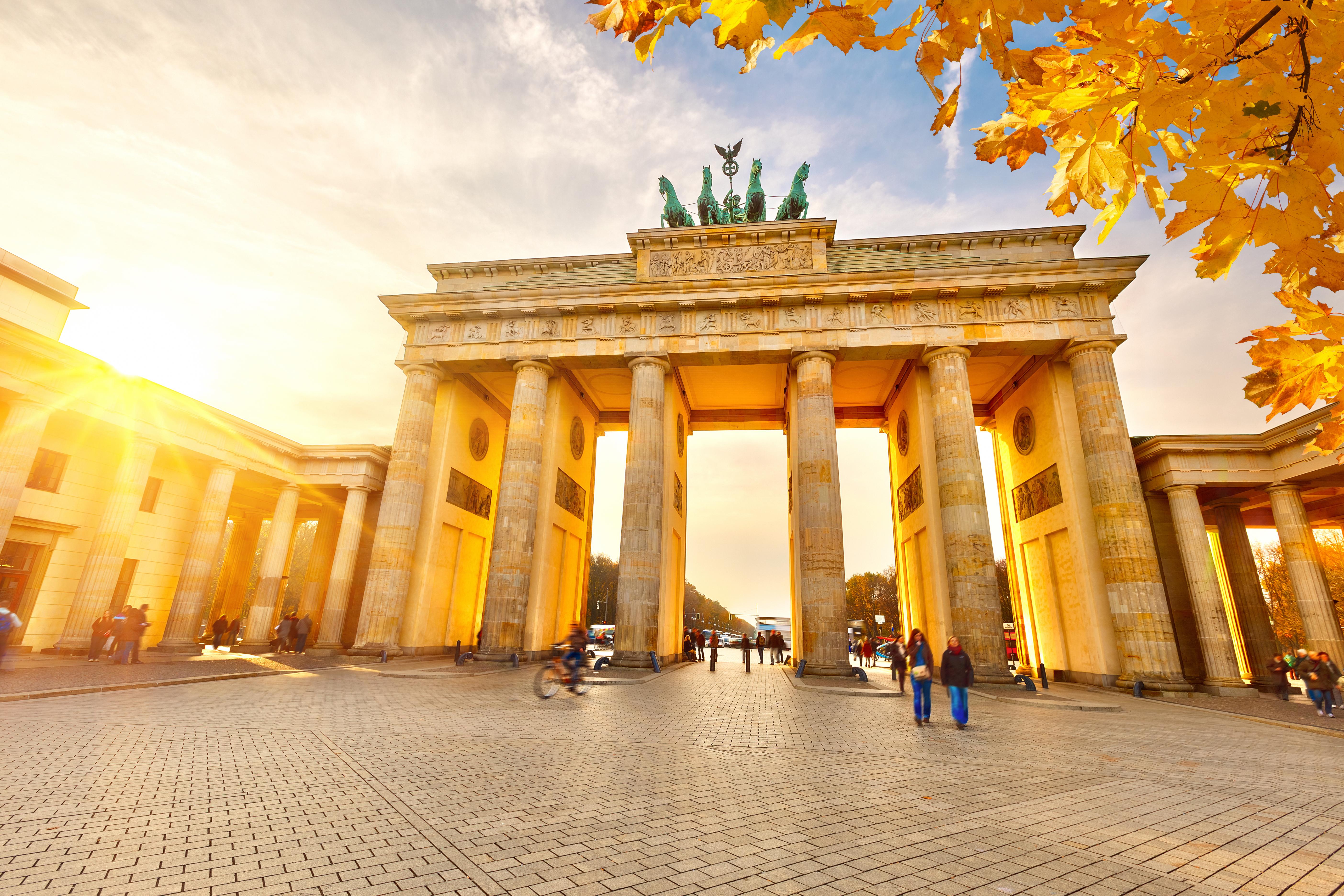 Brandenburg Gate Wallpaper 3   5615 X 3743 stmednet 5615x3743
