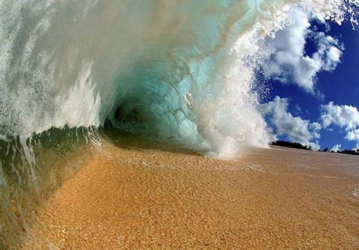 Under Waves Of Sea   Beautiful Photography Misc Photography 700x488