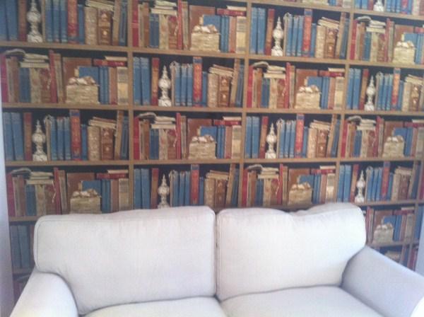 Bookshelf Wallpaper Gives An Instant Library Feel 600x448