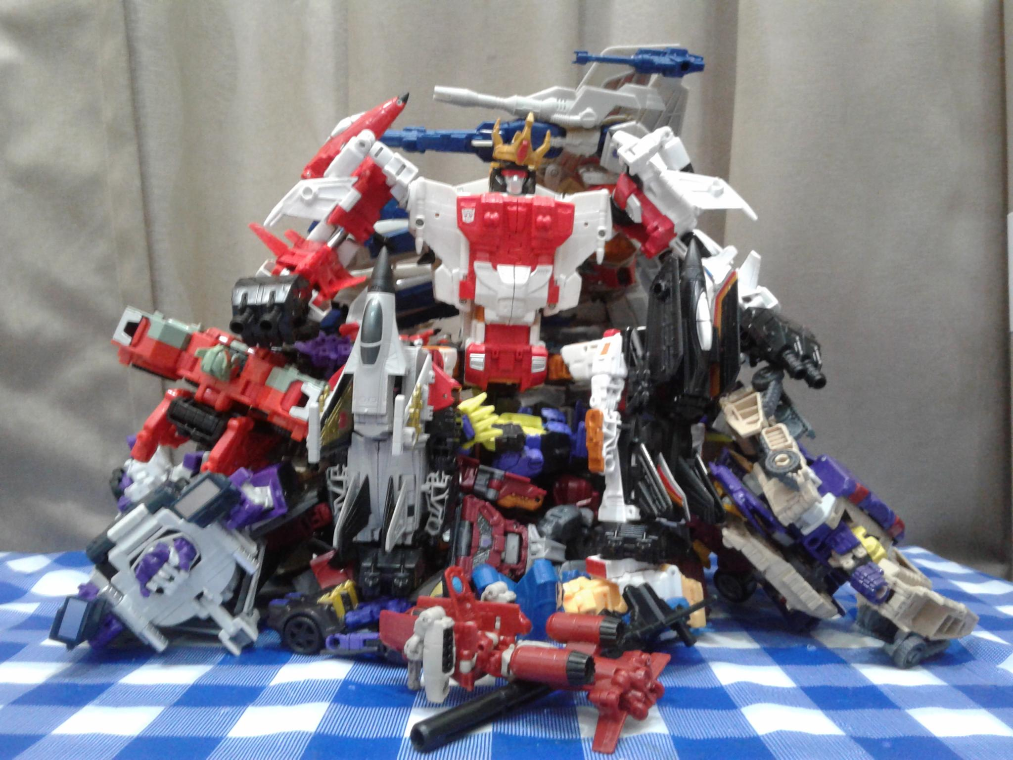 Like many others of his kind Superion is actually just as 2048x1536