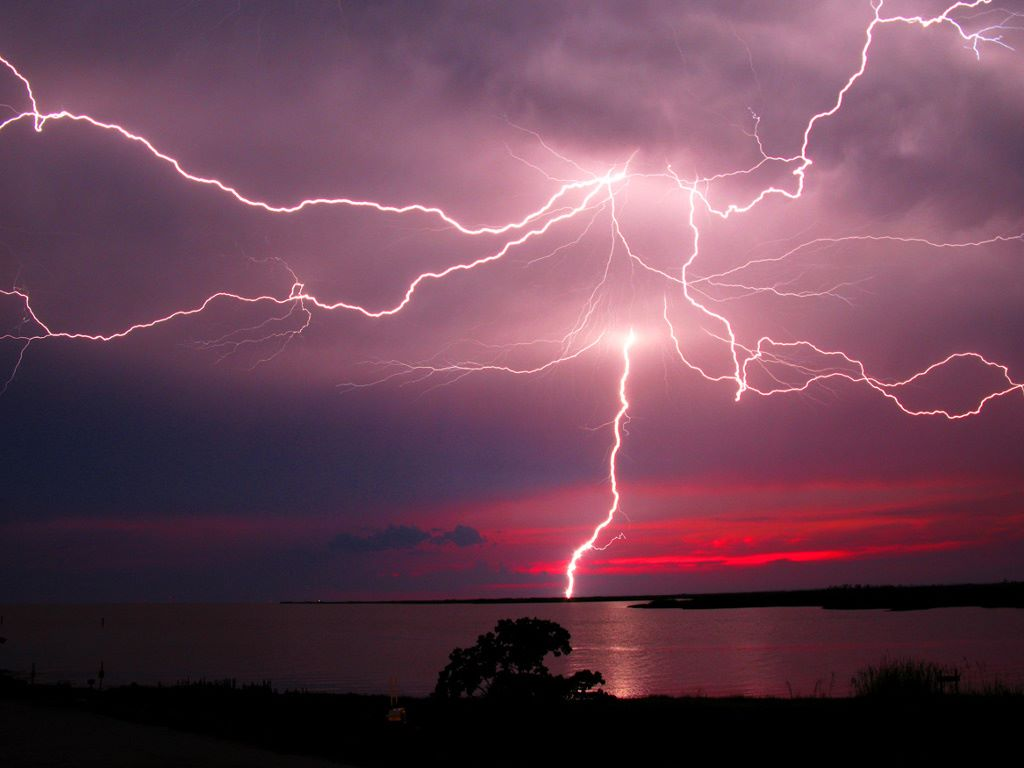 Wow This is one of the best lightning images I ever seen Red sunset 1024x768