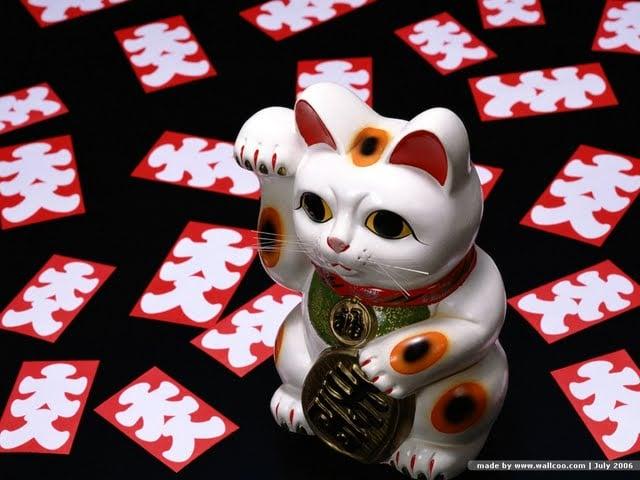 Delightful Photo Japanese Beckoning Cat Wallpaper Good Luck Charm Japanese 640x480