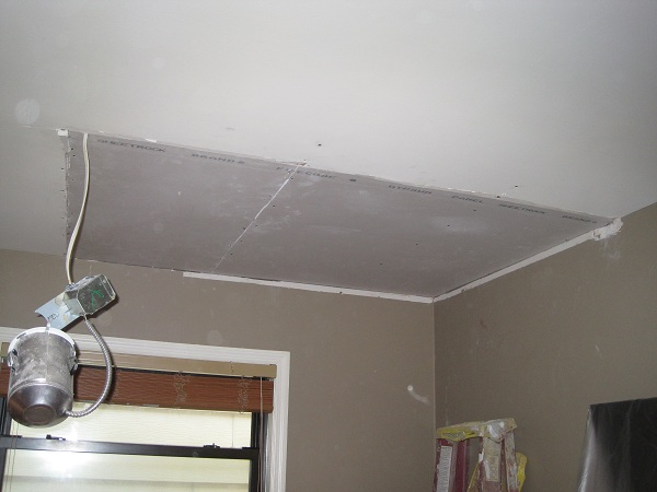 Scevoli painting company   Repairing and painting damaged walls and 600x450