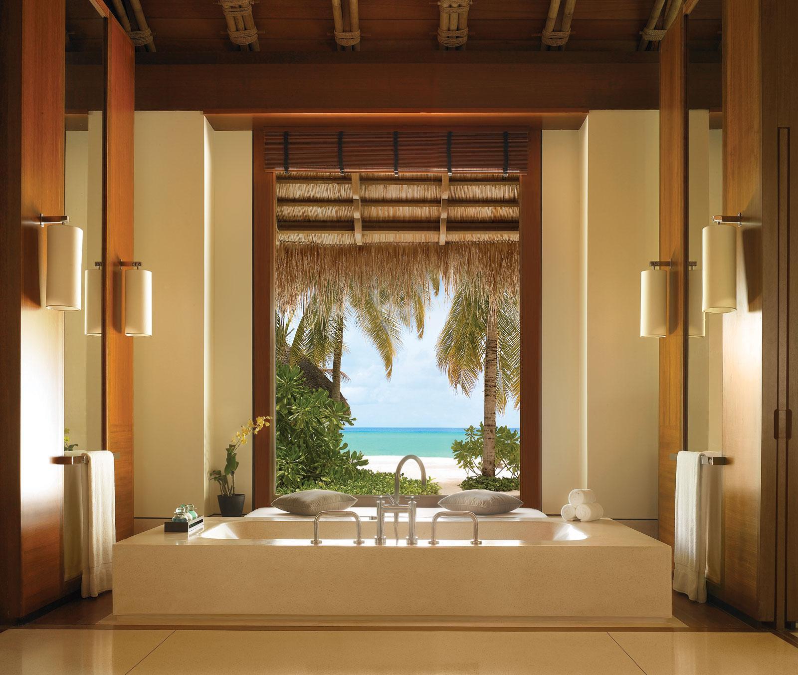 RAH BEACH BUNGALOW VILLA BATHROOM BATH MALDIVES WALLPAPER 107140 1600x1353