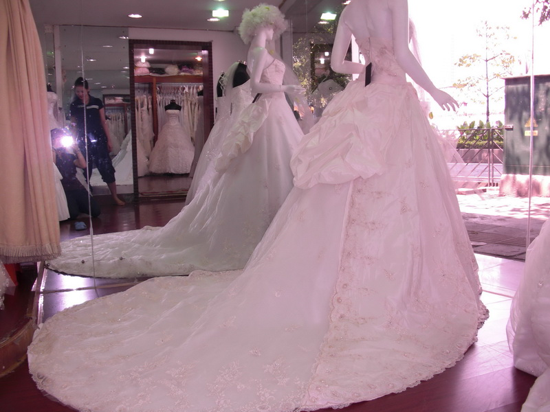 Popular Dresses Wedding Dress Shops Near Me Wedding Dress Stores Near 800x600