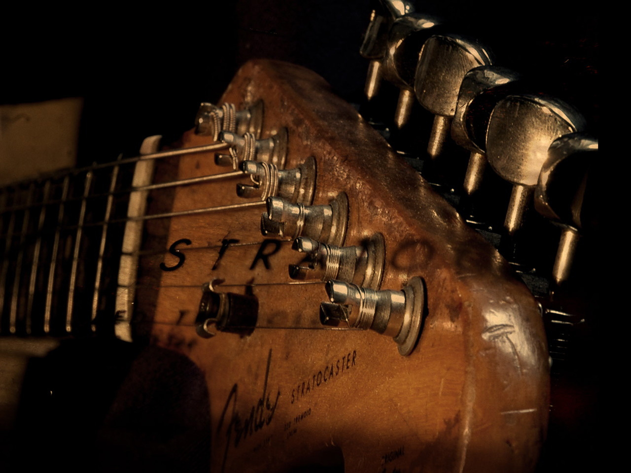 Download Guitar Wallpaper Old Stratocaster 1280x960 Great