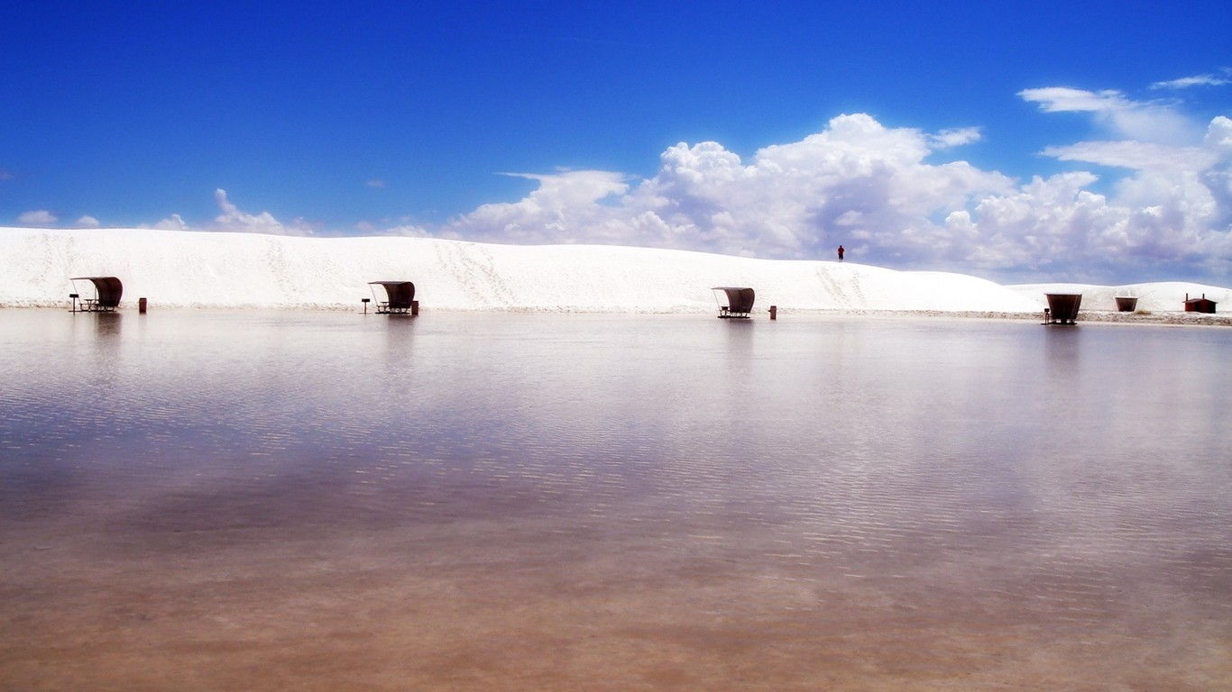 Download White Sands New Mexico wallpaper 1366x768