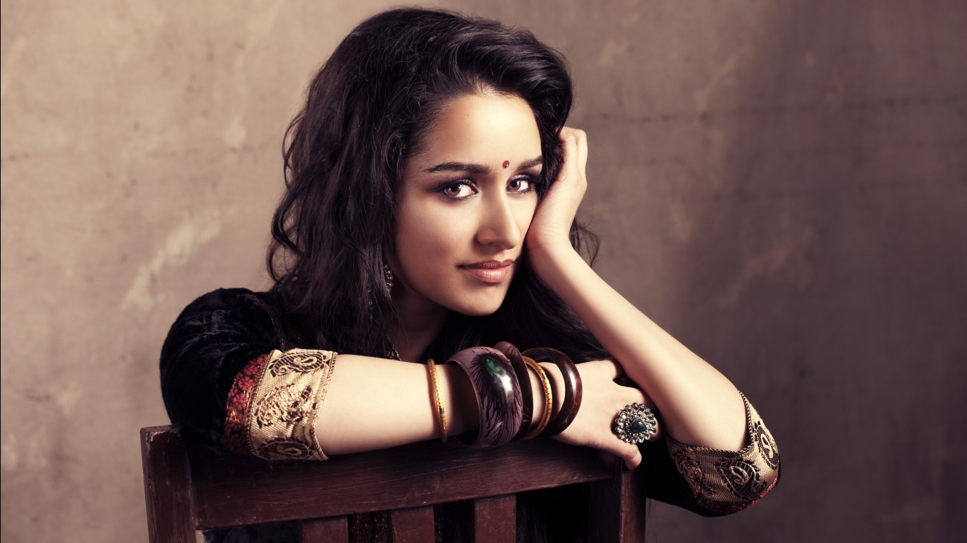 Shraddha Kapoor Wallpapers HD Wallpapers 1366x768