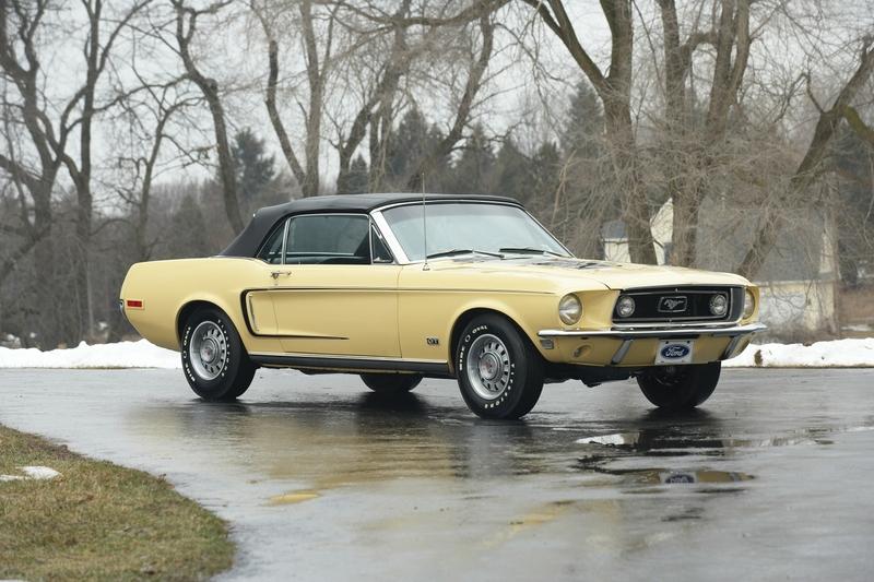 or share Hd Mustang Gt Big Blower Wallpaper Screensavers on Facebook 800x533