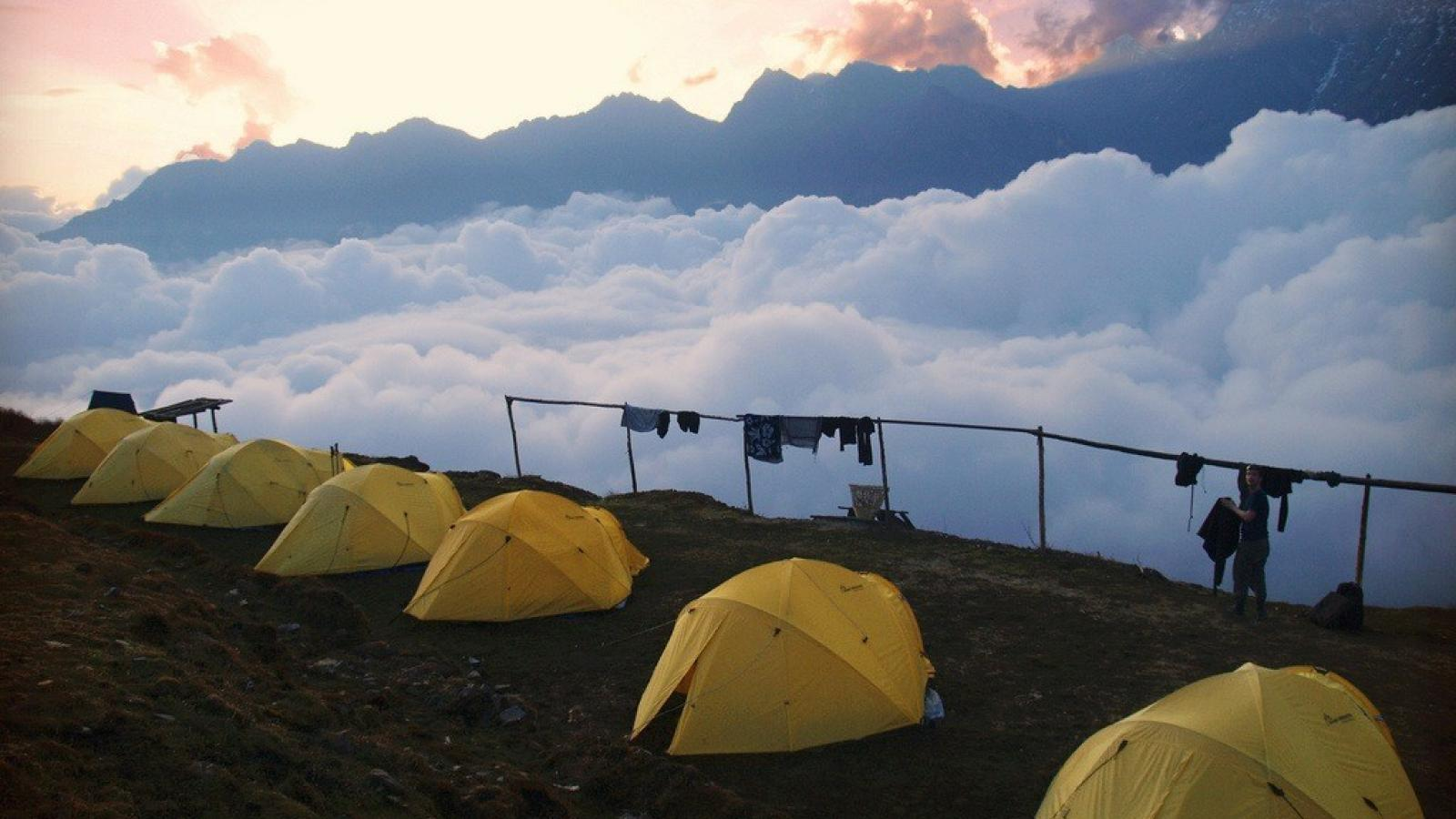 Mountains clouds tents camping wallpaper 58231 1600x900