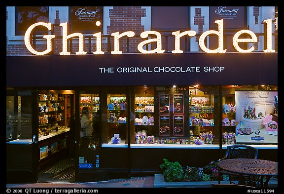 Ghirardelli chocolate store at dusk Ghirardelli Square San Francisco 576x393