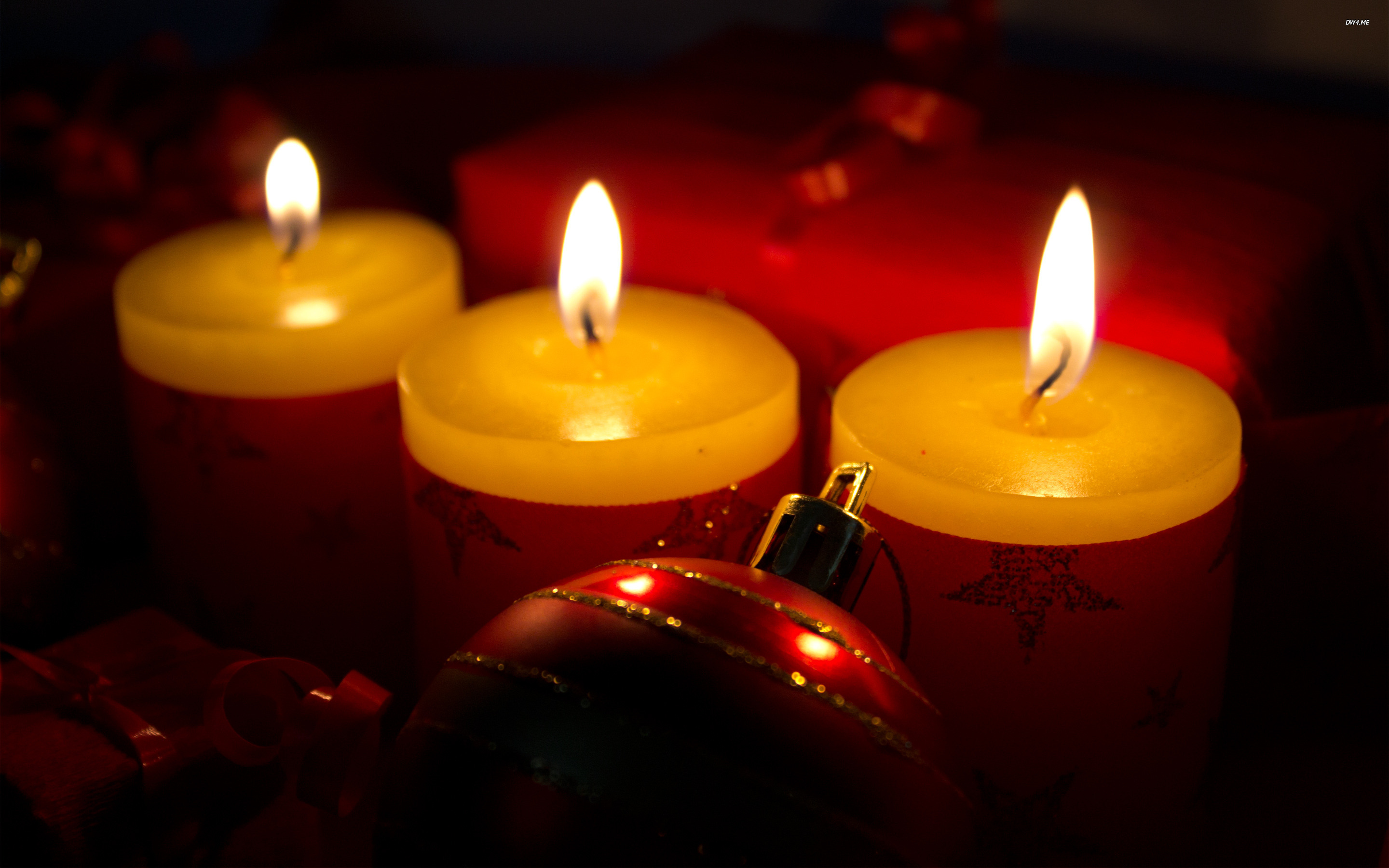 Christmas candles wallpaper   Holiday wallpapers   1007 2880x1800