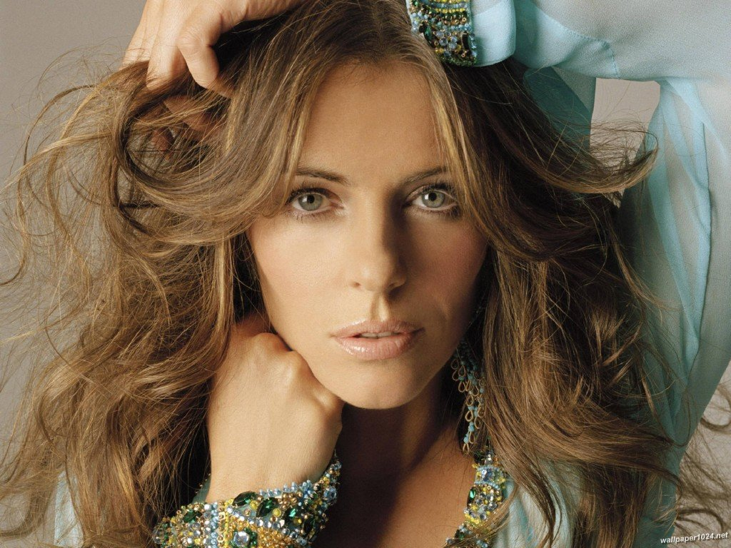 LIZ HURLEY WALLPAPERS 1024x768