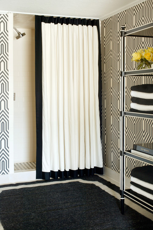 10 Gorgeous Black And White Bathrooms 500x752