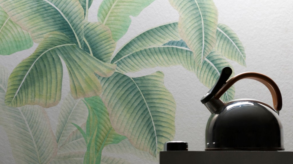 has sent me images of their hand painted silk wallpapers 1024x576