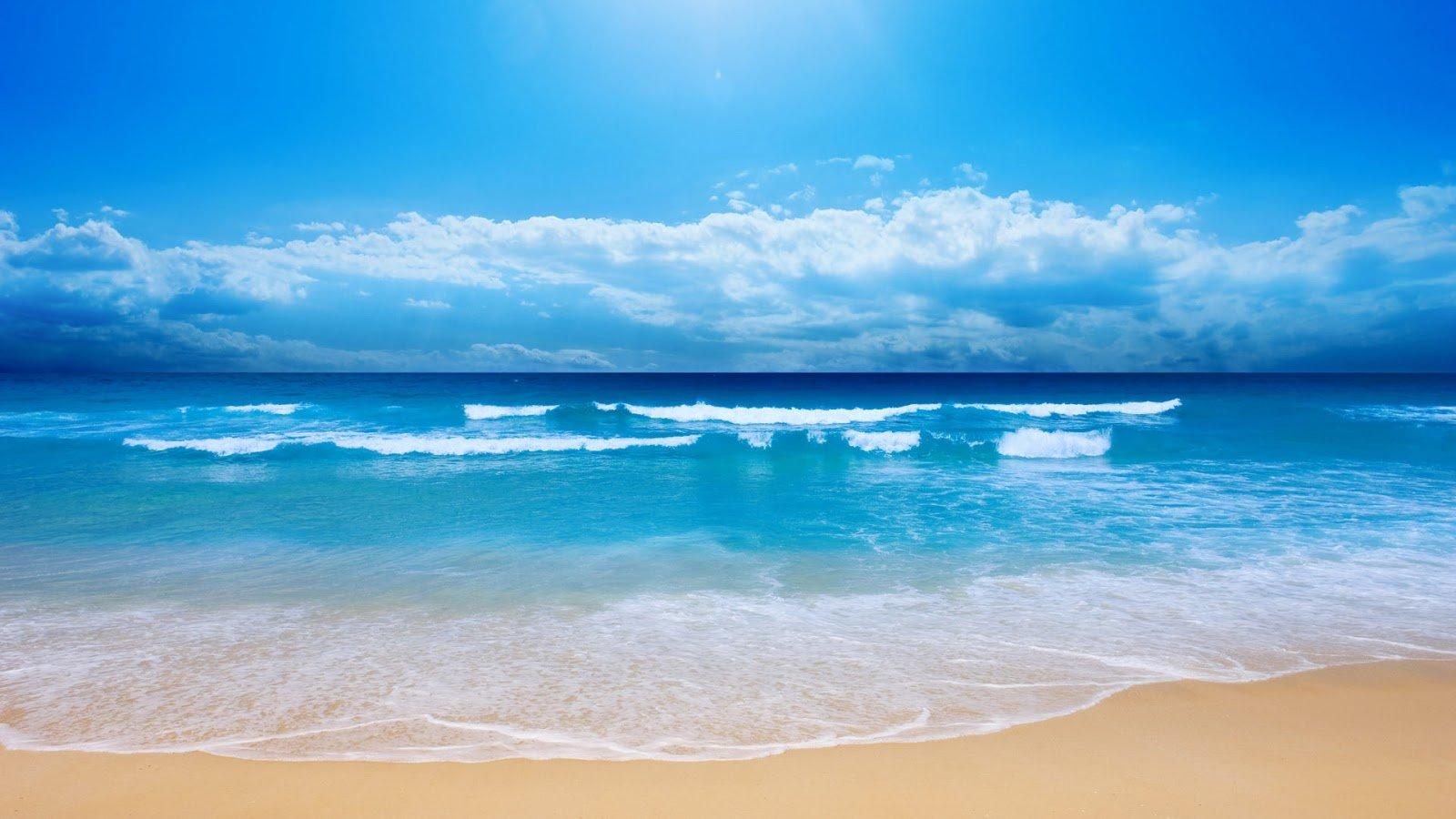 Ocean Waves Wallpaper s Powerful big waves in the blue ocean showing 1600x900