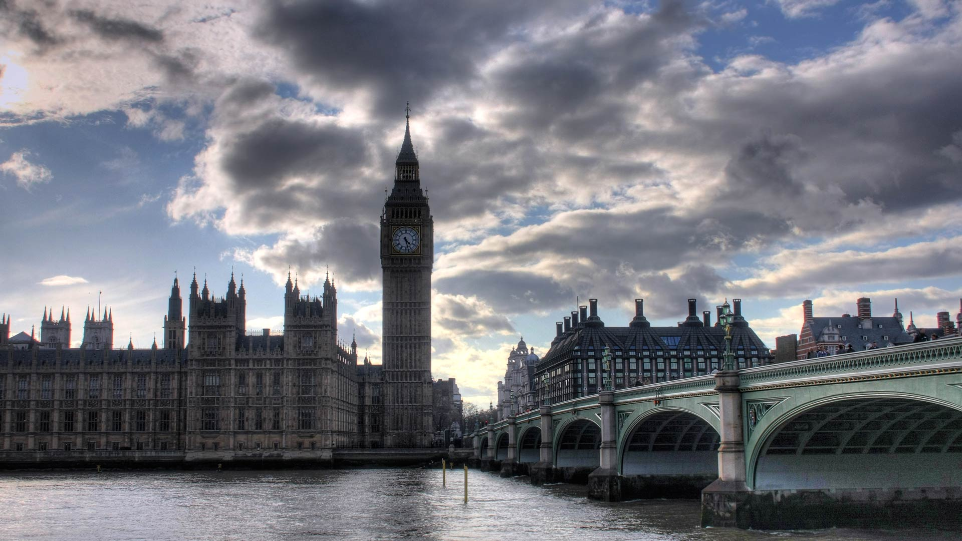 Black and White Landscape Photographs of London Skyline |London Skyline Wallpaper Black White