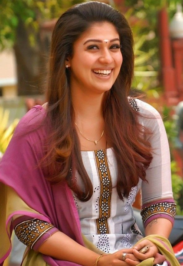 Gorgeous Actress Nayantara HD Images Photos And Wallpapers 591x859