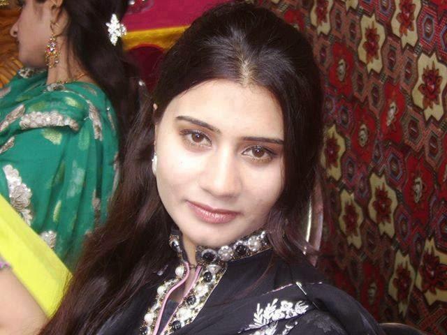 PunjabiGirlInSuitWallpapersPunjabiGirlInSuitGirlInSuithot 640x480