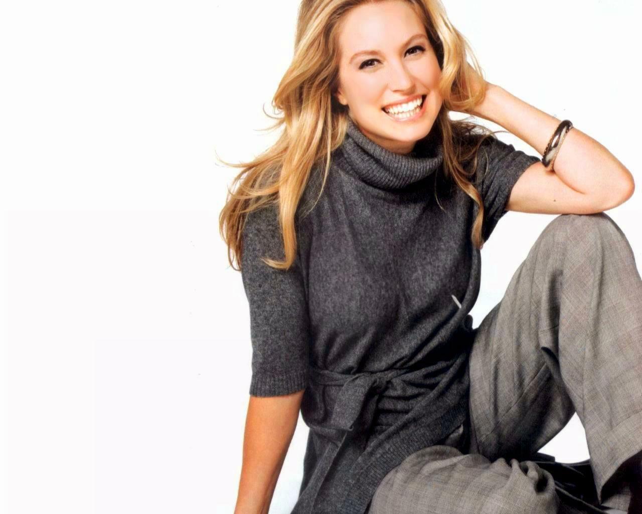 Canadian actress Sarah Carter Wallpapers 1280x1024