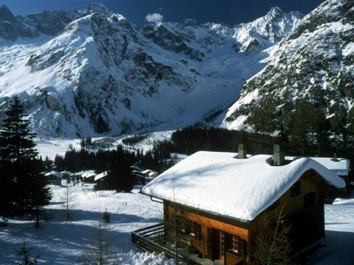 Related wallpapers nature mountain snowy mountain cabin 500x375