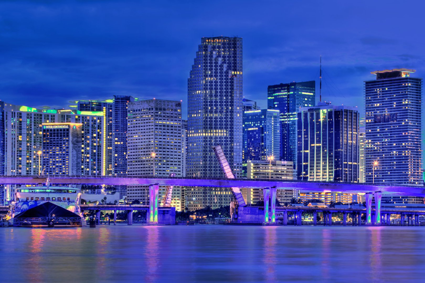miami florida skyline wallpaper Miami At Night Skyline Wallpaper 4875 1620x1080