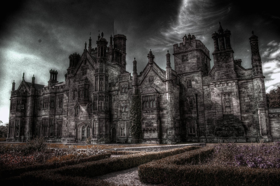 31 creepy houses mansions and castles print24 Blog 900x598