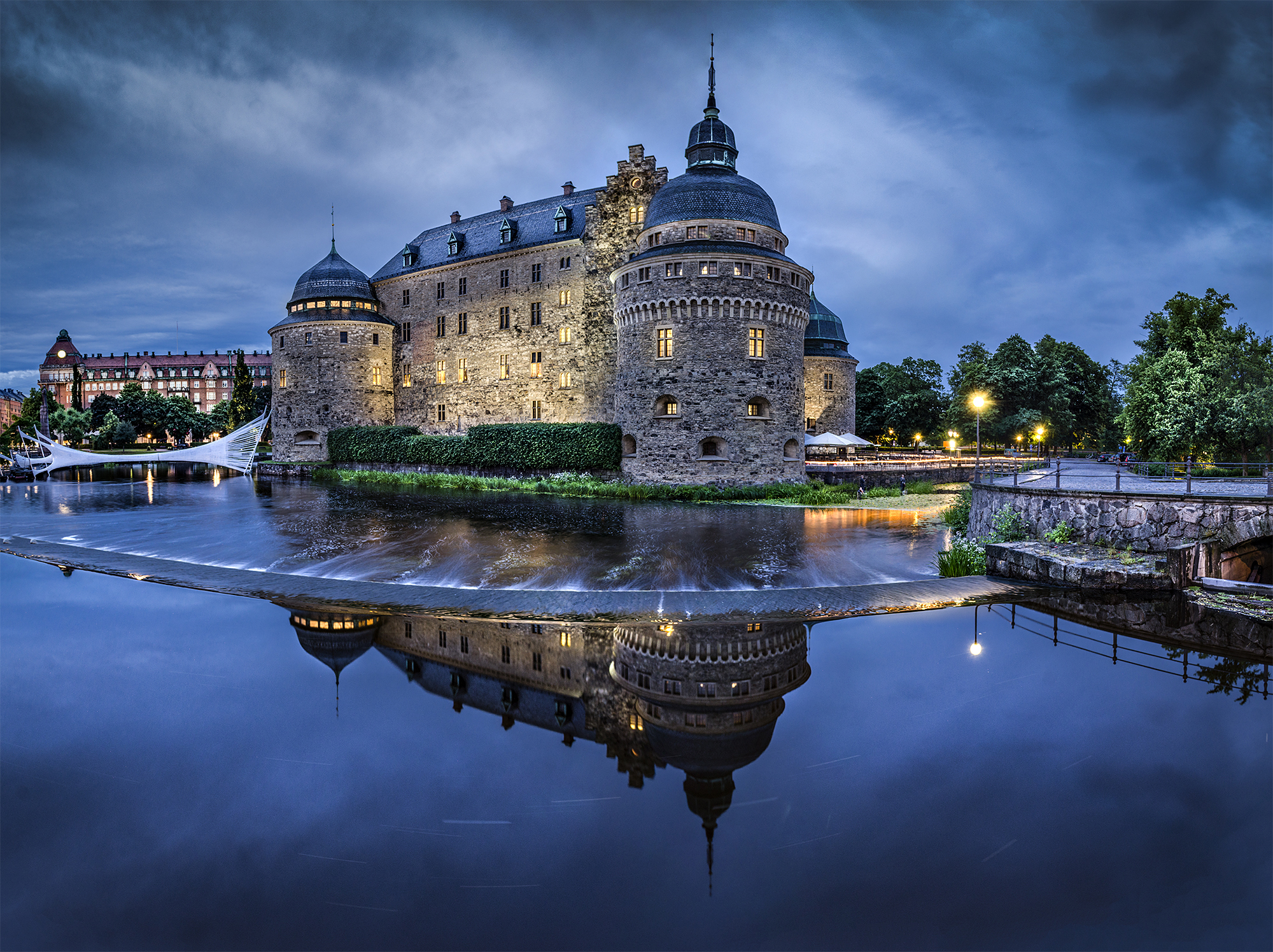 Made   Orebro Castle Castle Sweden Reflection Night Scenic Wallpaper 2000x1496