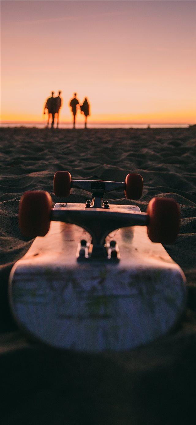 California Vibes at Venice Beach Los Angeles US iPhone X 640x1385