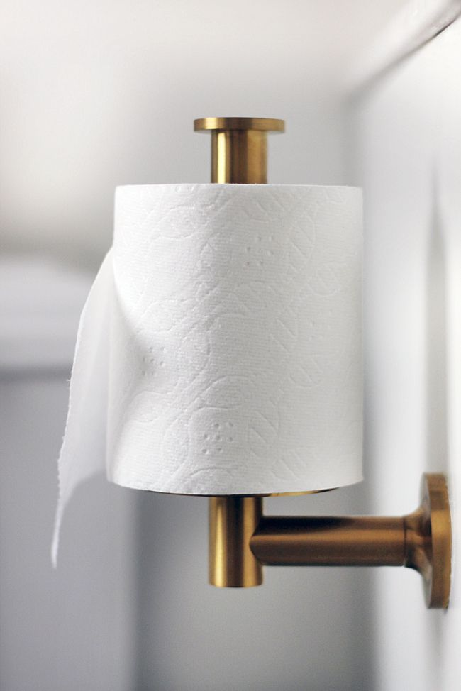 Best way to hang toilet paper Switch the holder to vertical instead 650x974