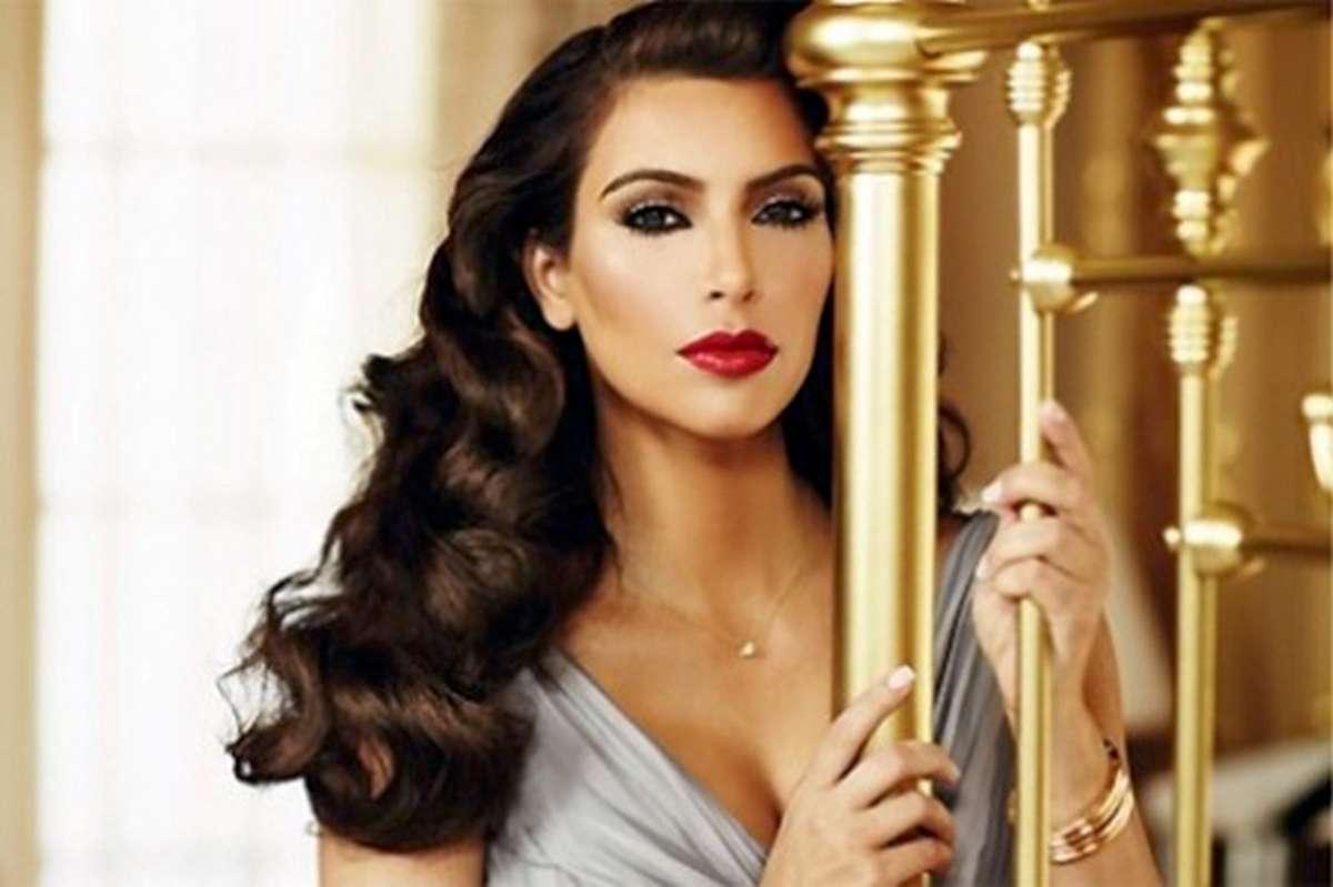 Kim Kardashian New Hot HD Wallpaper 2013 Hollywood Universe 1200x799