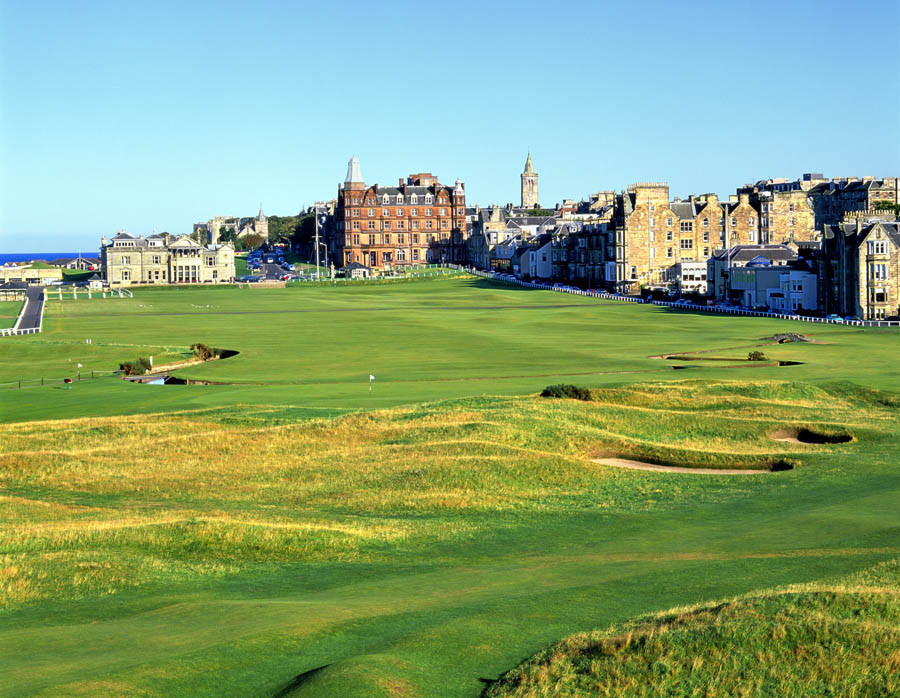 1st and 18th Holes The Old Course at St Andrews Links Wall Mural 900x698