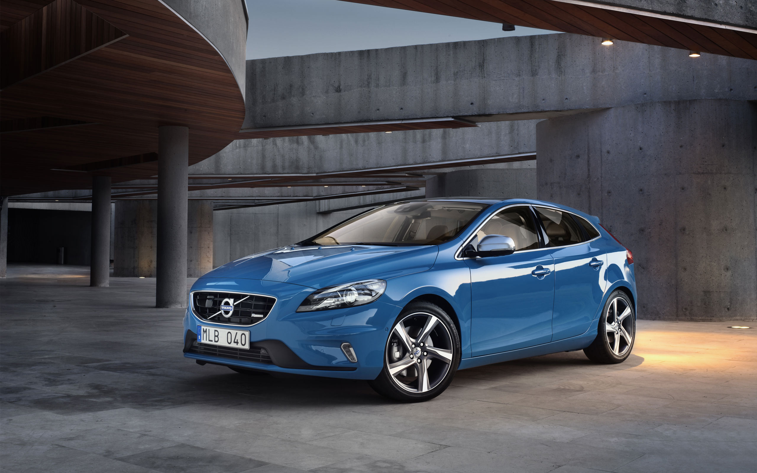 Volvo V40 2013 Wallpaper HD Car Wallpapers ID 3068 2560x1600